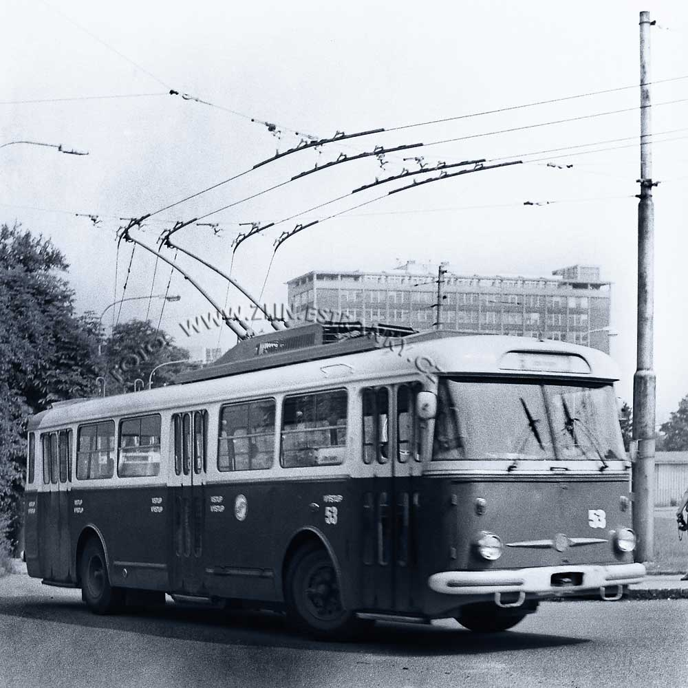 1989 - nadjezd na Již. svahy - zprovoznění trolejbusové dráhy  01