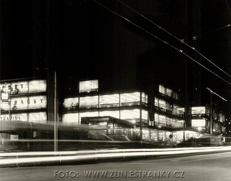 1977-82 - Obchodní domy Zelenina-Obuv-Pramen